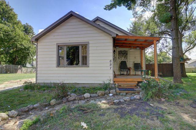 507 W Bradley Avenue, Champaign, IL 61820 (MLS #10085047) :: Ryan Dallas Real Estate
