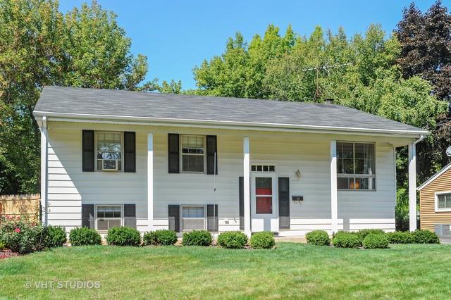 1092 Kenilworth Drive, Wheeling, IL 60090 (MLS #10088869) :: Helen Oliveri Real Estate