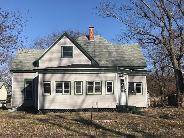 305 N Broadway Street, NEWMAN, IL 61942 (MLS #10093761) :: Berkshire Hathaway HomeServices Snyder Real Estate