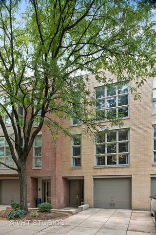 2333 N Wayne Avenue, Chicago, IL 60614 (MLS #10100102) :: Leigh Marcus | @properties