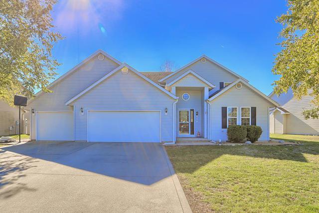 609 N Cedar Drive, ST. JOSEPH, IL 61873 (MLS #10100685) :: Ryan Dallas Real Estate