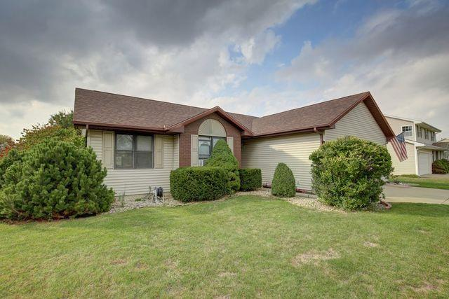 415 Laurel Drive, ST. JOSEPH, IL 61873 (MLS #10103210) :: Littlefield Group