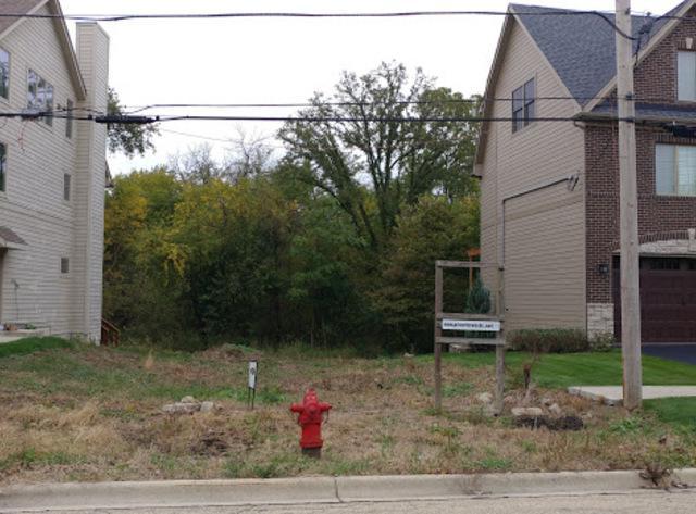 2832 Burlington Avenue, Lisle, IL 60532 (MLS #10110080) :: The Dena Furlow Team - Keller Williams Realty