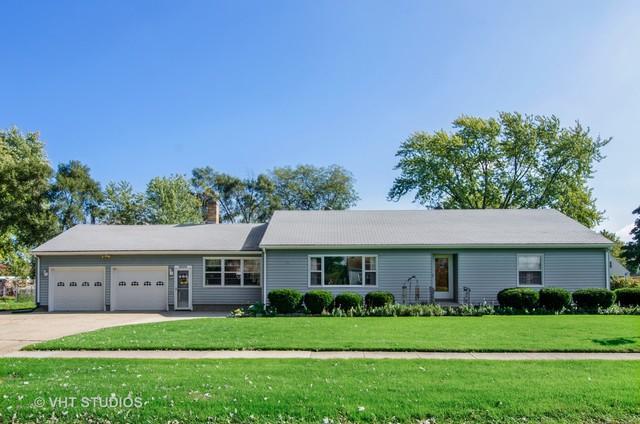 100 Carpenter Boulevard, Carpentersville, IL 60110 (MLS #10110126) :: Touchstone Group
