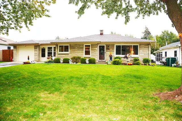 1702 West Acres Road, Joliet, IL 60435 (MLS #10117500) :: The Dena Furlow Team - Keller Williams Realty