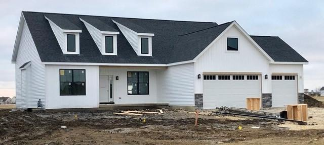 2261 Coventry Circle S, Sycamore, IL 60178 (MLS #10129876) :: Baz Realty Network | Keller Williams Preferred Realty