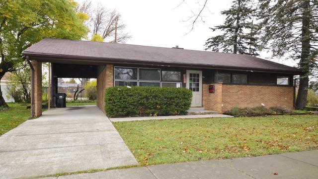 7200 Wilson Terrace, Morton Grove, IL 60053 (MLS #10131418) :: Ani Real Estate