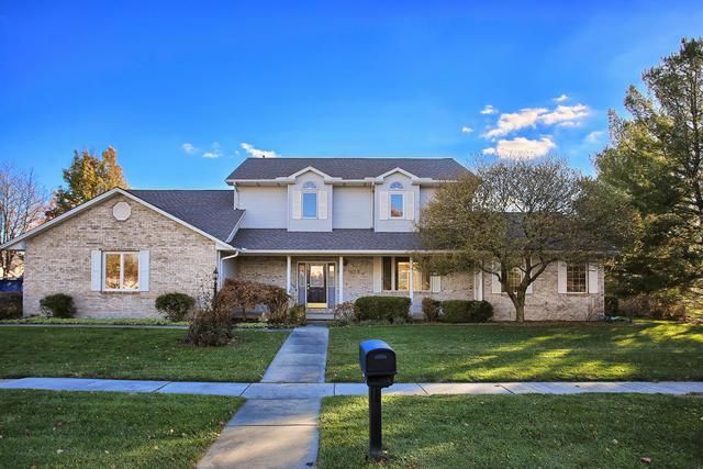 303 W Tomaras Avenue, Savoy, IL 61874 (MLS #10132118) :: Ryan Dallas Real Estate