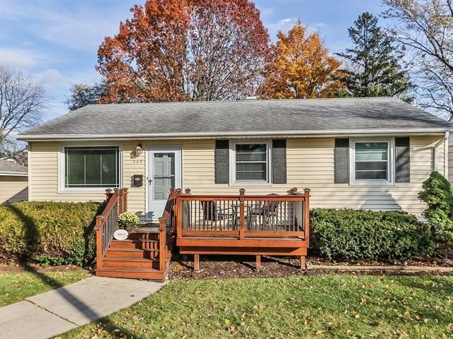 349 S Highland Avenue, Lombard, IL 60148 (MLS #10133885) :: Ani Real Estate