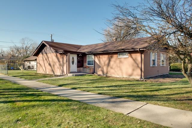 1456 Portsmouth Avenue, Westchester, IL 60154 (MLS #10134540) :: Domain Realty