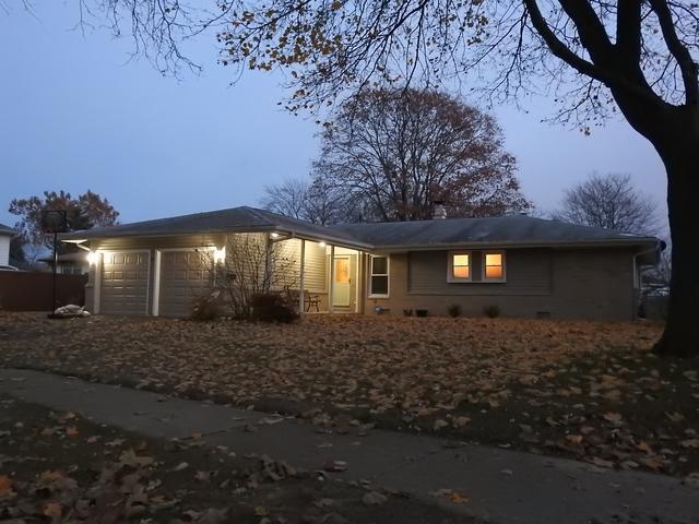 75 Grassmere Road, Elk Grove Village, IL 60007 (MLS #10135095) :: Ani Real Estate