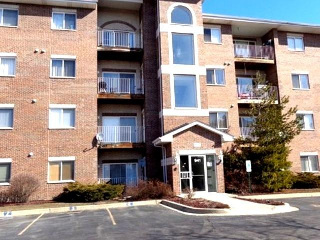 941 N Swift Road #404, Addison, IL 60101 (MLS #10135360) :: Ani Real Estate