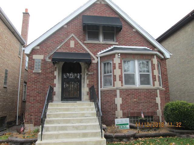 7045 S California Avenue, Chicago, IL 60629 (MLS #10137310) :: Ani Real Estate