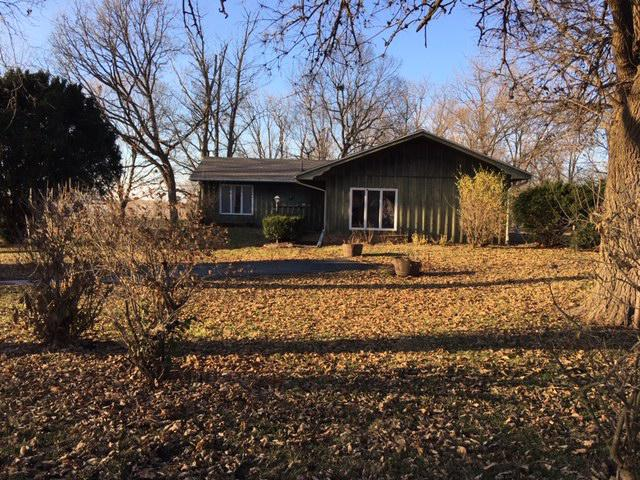 602 W First North Street, Wenona, IL 61377 (MLS #10143985) :: Janet Jurich Realty Group