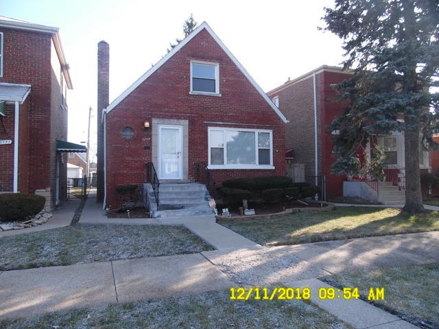 10739 S Eberhart Avenue, Chicago, IL 60628 (MLS #10152502) :: The Spaniak Team