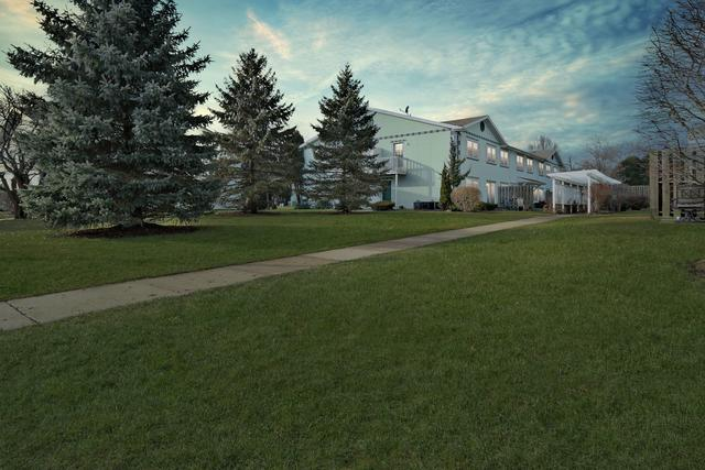 1105 Greenwood Circle #1105, Woodstock, IL 60098 (MLS #10168940) :: Lewke Partners