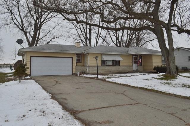 284 N Main Street, Burlington, IL 60109 (MLS #10250046) :: Baz Realty Network | Keller Williams Preferred Realty