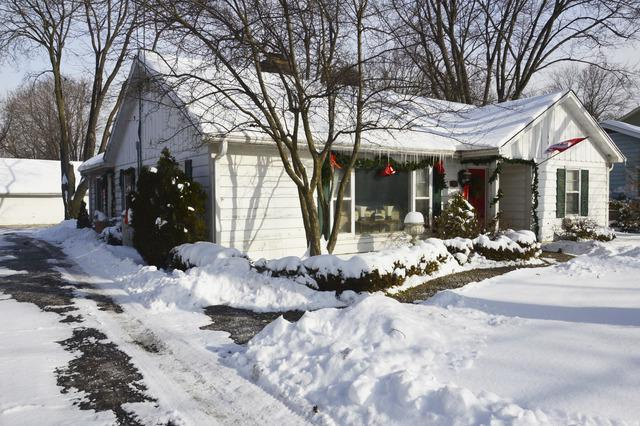 244 W Austin Avenue, Libertyville, IL 60048 (MLS #10252579) :: The Wexler Group at Keller Williams Preferred Realty