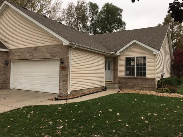 113 Meadow Ridge Drive A, Bloomington, IL 61704 (MLS #10256293) :: The Dena Furlow Team - Keller Williams Realty