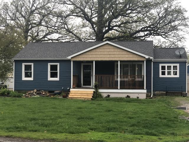 811 E Richardson Street, Farmer City, IL 61842 (MLS #10256602) :: Berkshire Hathaway HomeServices Snyder Real Estate