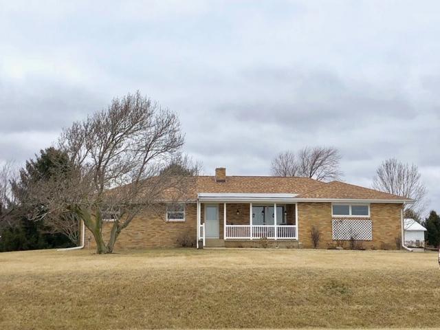 2881 CR 400 E, Fisher, IL 61843 (MLS #10257364) :: Ryan Dallas Real Estate