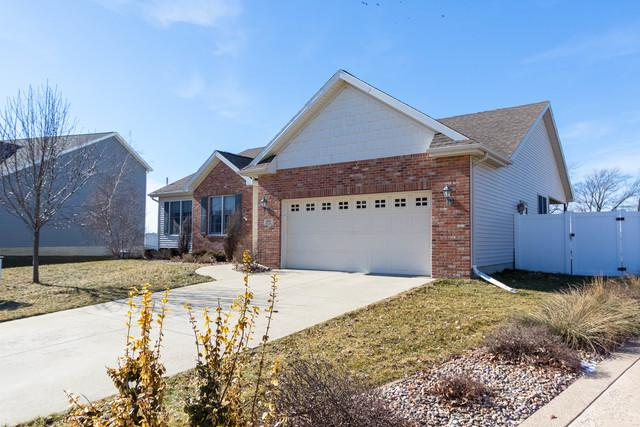 1601 Myra Lane, Bloomington, IL 61704 (MLS #10259568) :: Baz Realty Network | Keller Williams Preferred Realty