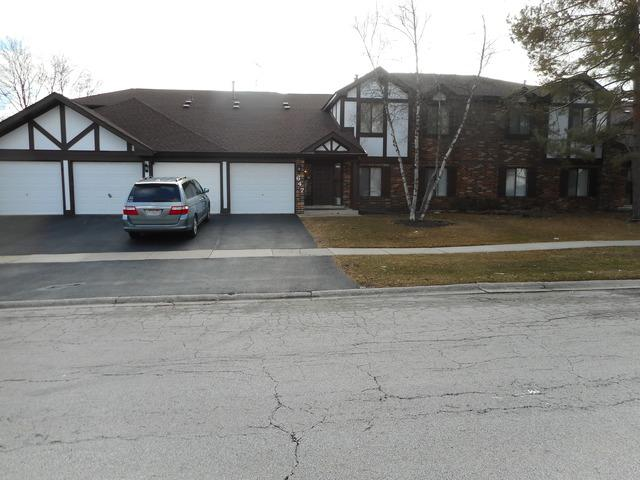 647 Cumberland Trail Bb1, Roselle, IL 60172 (MLS #10262302) :: Janet Jurich Realty Group