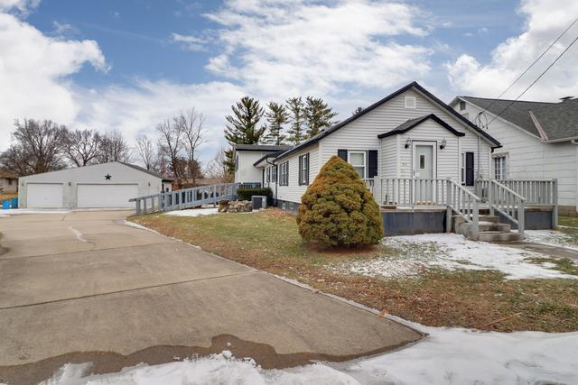511 E Fast Avenue, Mackinaw, IL 61755 (MLS #10270894) :: BNRealty