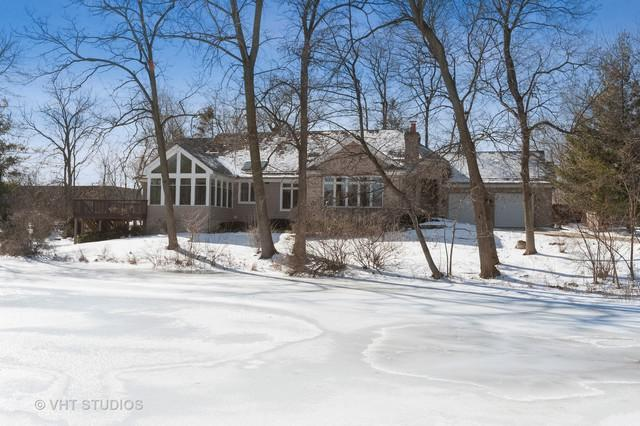 1505 Parkview Drive, Libertyville, IL 60048 (MLS #10274885) :: Helen Oliveri Real Estate