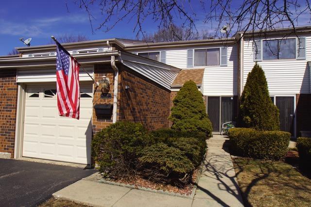 218 W Wimbolton Drive, Mount Prospect, IL 60056 (MLS #10275840) :: Helen Oliveri Real Estate