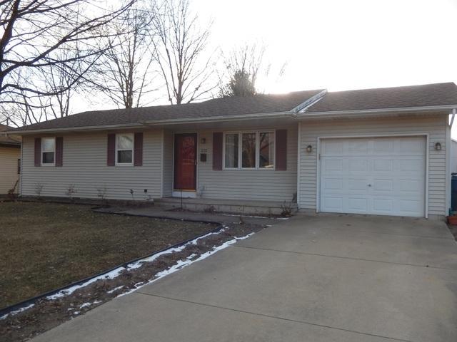 225 Cherry Lane, Momence, IL 60954 (MLS #10296374) :: Domain Realty