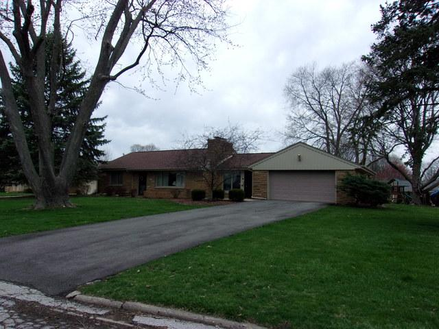 2114 E Taylor Street, Bloomington, IL 61701 (MLS #10298986) :: Janet Jurich Realty Group