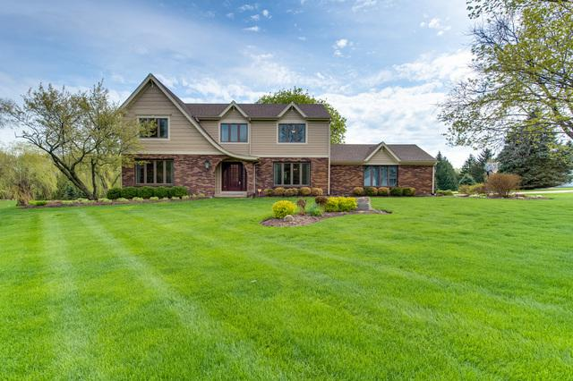 41W217 Weybridge Drive, St. Charles, IL 60175 (MLS #10303809) :: Berkshire Hathaway HomeServices Snyder Real Estate