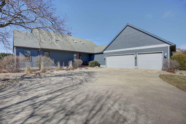 2703 Prairie Meadow Drive, Champaign, IL 61822 (MLS #10306105) :: Ryan Dallas Real Estate