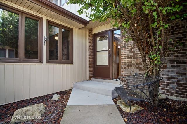 336 S Dominion Drive, Wood Dale, IL 60191 (MLS #10307756) :: HomesForSale123.com