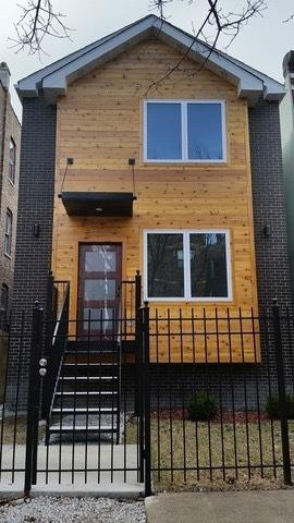 3231 W Pierce Avenue, Chicago, IL 60651 (MLS #10308027) :: Property Consultants Realty