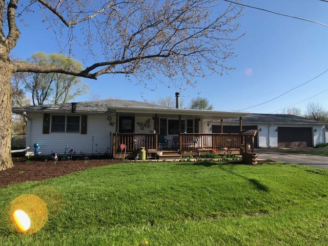 315 E Main Street, Stillman Valley, IL 61084 (MLS #10315314) :: Baz Realty Network | Keller Williams Elite