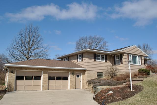 13828 Rengel Drive, Bloomington, IL 61705 (MLS #10323458) :: Berkshire Hathaway HomeServices Snyder Real Estate