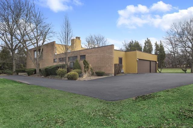 217 Indian Trail Road, Oak Brook, IL 60523 (MLS #10329942) :: Helen Oliveri Real Estate