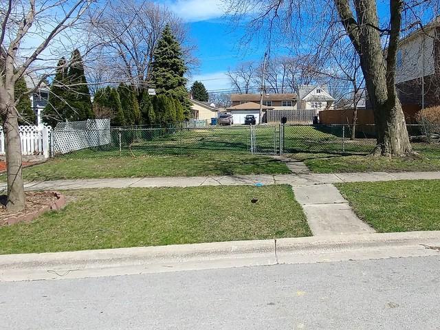 10507 Oxford Avenue, Chicago Ridge, IL 60415 (MLS #10330819) :: Domain Realty