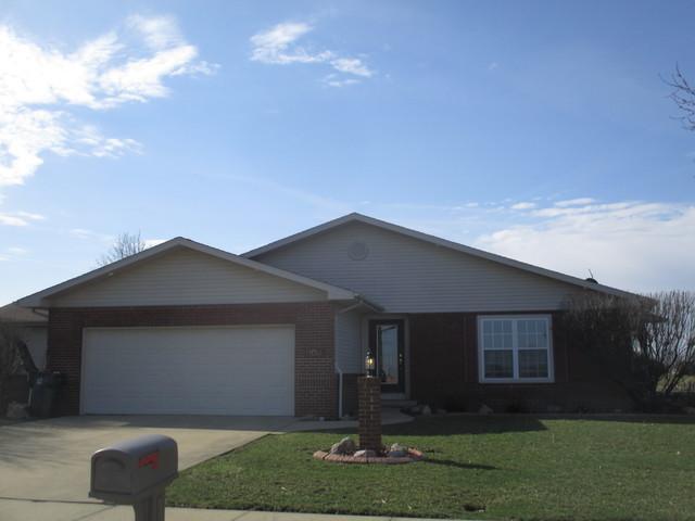 909 Pheasant Run Road #1, Tuscola, IL 61953 (MLS #10331139) :: Littlefield Group