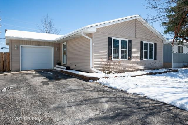 1920 Oak Drive, Mchenry, IL 60050 (MLS #10331542) :: Janet Jurich Realty Group