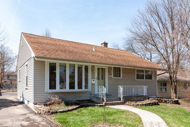 554 S Stewart Avenue, Lombard, IL 60148 (MLS #10335055) :: Helen Oliveri Real Estate
