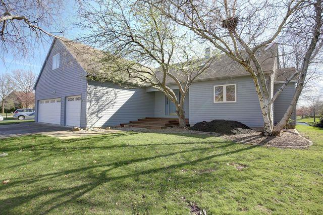 2707 Prairie Meadow Drive, Champaign, IL 61821 (MLS #10335611) :: Ryan Dallas Real Estate
