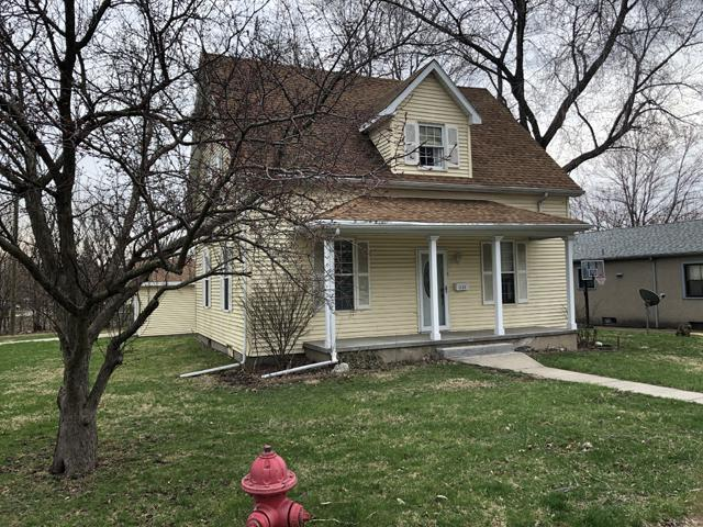 1133 Plain Street, Peru, IL 61354 (MLS #10339021) :: Helen Oliveri Real Estate