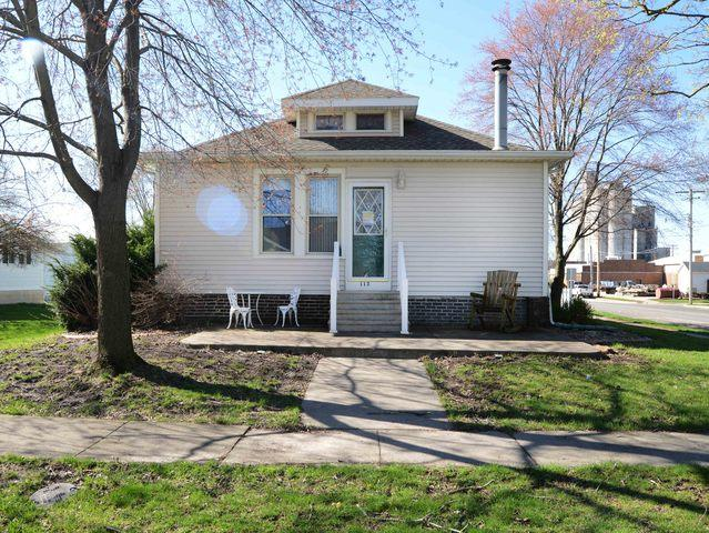 113 W Ensey Street, Tuscola, IL 61953 (MLS #10343205) :: Janet Jurich Realty Group