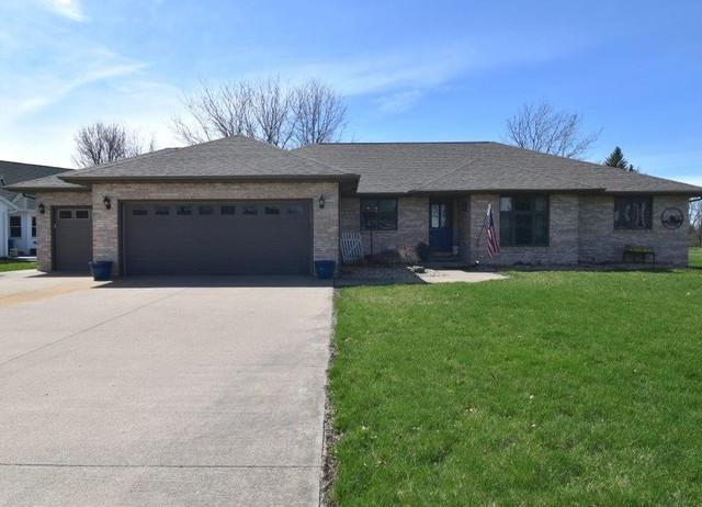 1387 S Turtle Drive, Pontiac, IL 61764 (MLS #10344827) :: Janet Jurich Realty Group