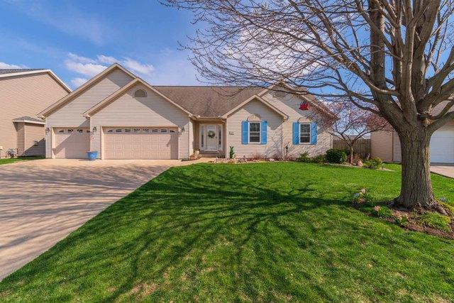 1722 Sage Drive, Normal, IL 61761 (MLS #10346160) :: The Dena Furlow Team - Keller Williams Realty