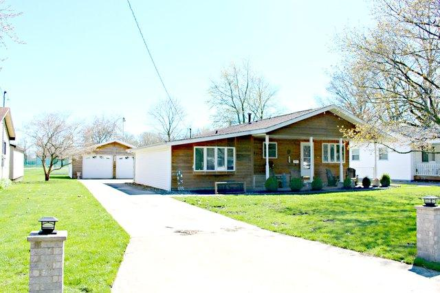 1034 Eastview Drive, Paxton, IL 60957 (MLS #10348000) :: Century 21 Affiliated
