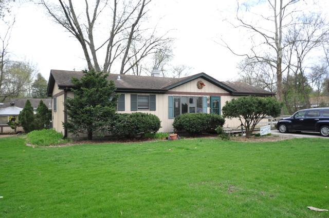 23W611 Burdette Avenue, Carol Stream, IL 60188 (MLS #10349446) :: Leigh Marcus | @properties